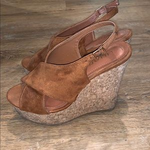 Shoes - Brown wedges